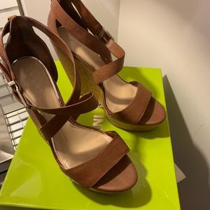 Gianni Bini Scottiee 9.5 Hampton Tan MUST Have!